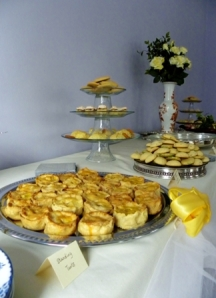 Delicious standing tarts, biscuits... mmmm